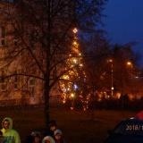 Lampionový průvod se zpíváním u vánočního stromu